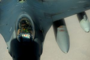 KC-135 Stratotanker Refuels F-16 Fighting Falcons